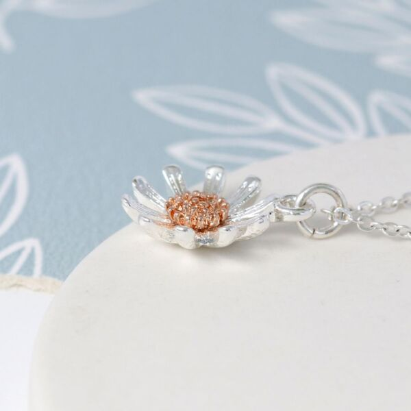 daisy pendant necklace silver and gold