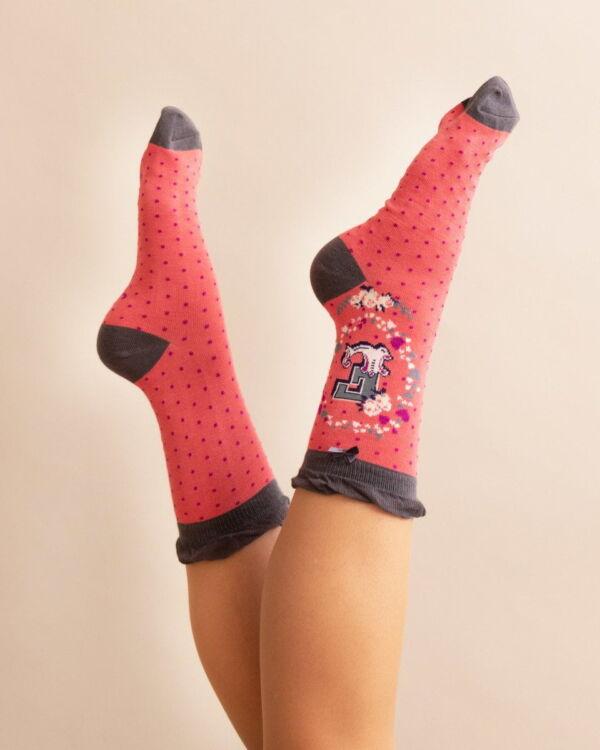 Powder Alphabet socks E