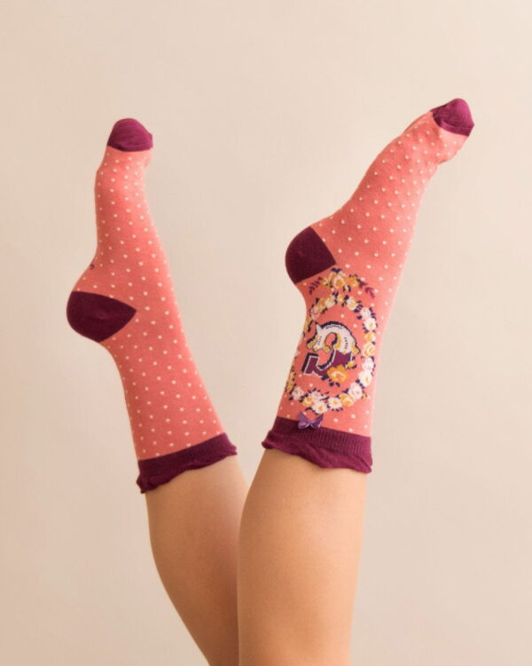 Powder Alphabet socks G